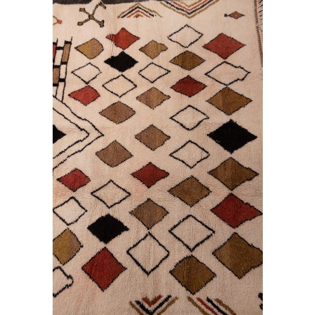 Moroccan Handwoven Rug Made with Natural Vegetable Dye and Wool For Sale - Image 4 of 7