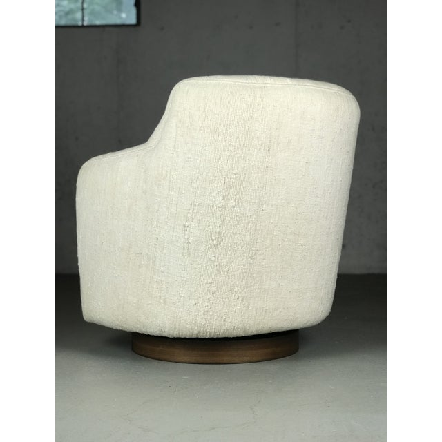 Designer Swivel and Tilt Lounge Chairs by Milo Baughman for Thayer Coggin For Sale In Boston - Image 6 of 11