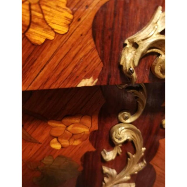 Ormolu Mounted Tulipwood and Amaranth Marquetry Commode For Sale - Image 10 of 13