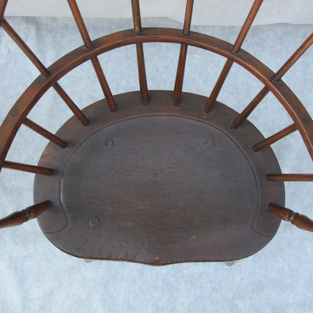 New England Bow-Back Windsor Arm Chair - Image 3 of 8
