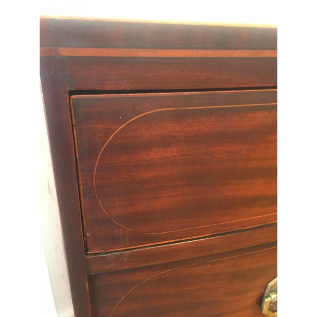 Federal 19th Century Federal Bowfront Mahogany Chest of Drawers For Sale - Image 3 of 7