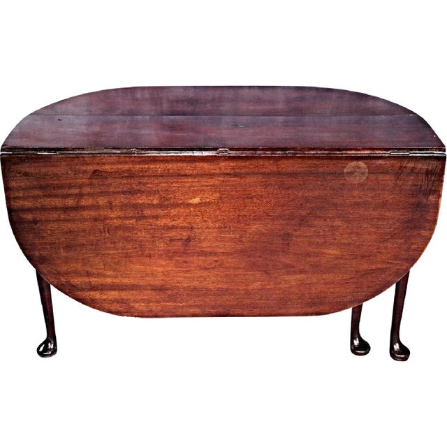 18th Century Queen Anne Mahogany Drop Leaf Gate Leg Table For Sale - Image 5 of 11