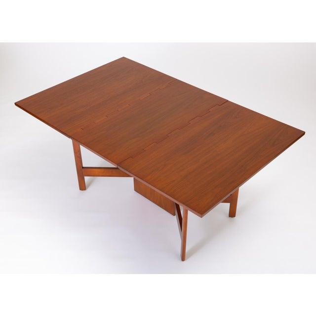 George Nelson's 1947 design for Herman Miller was an updated take on the classic gateleg table. The central panel support...