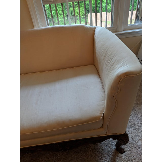French Silk Upholstered Settee With Hand-Carved Wooden Base For Sale - Image 4 of 9
