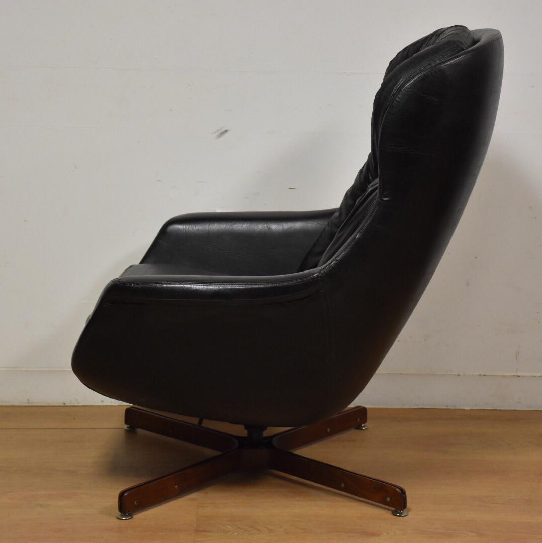 Merveilleux Selig Black Lounge Chair And Ottoman   Image 4 Of 11