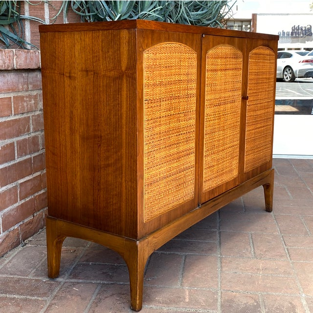 """1960s Mid-Century Modern Lane """"Rhythm"""" Walnut and Cane Cabinet For Sale - Image 5 of 10"""