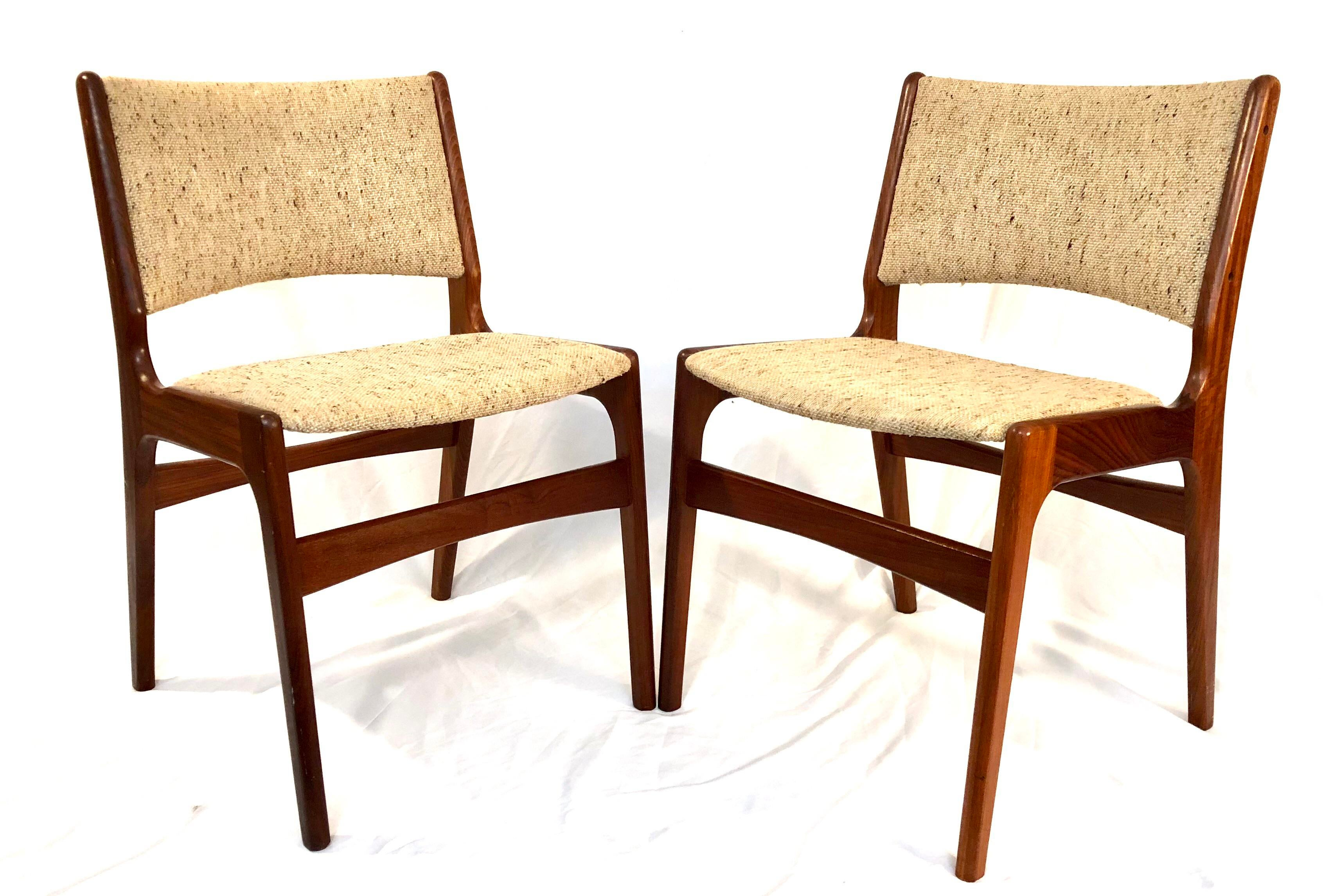 Merveilleux Danish Modern Hans Wegner Style Walnut Chairs   A Pair For Sale   Image 11  Of
