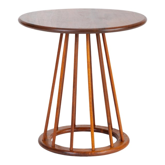 1950s Walnut Round Side Table by Arthur Umanoff for Washington Woodcraft For Sale