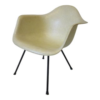 Eames Arm Shell Lounge Chair by Herman Miller For Sale