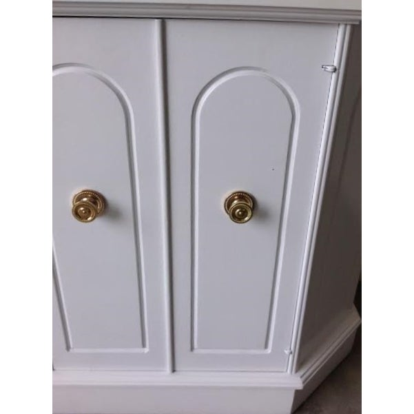White Hollywood Regency Style Cabinet For Sale In Los Angeles - Image 6 of 6