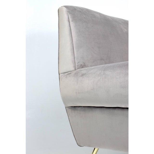 Mid-Century Modern Italian Mid-Century Modern Velvet Sofa by Gigi Radice for Minotti, 1950s For Sale - Image 3 of 13