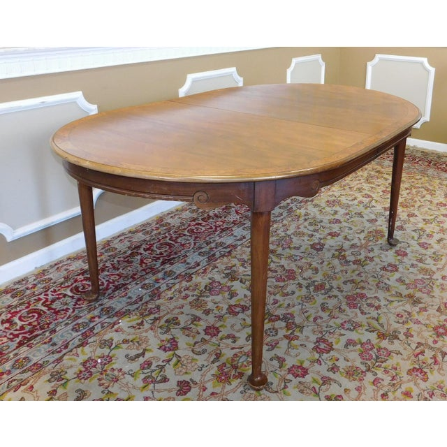 1980s Banded Walnut & Elm Dining Room Table W/ 2 Leaves For Sale - Image 9 of 10