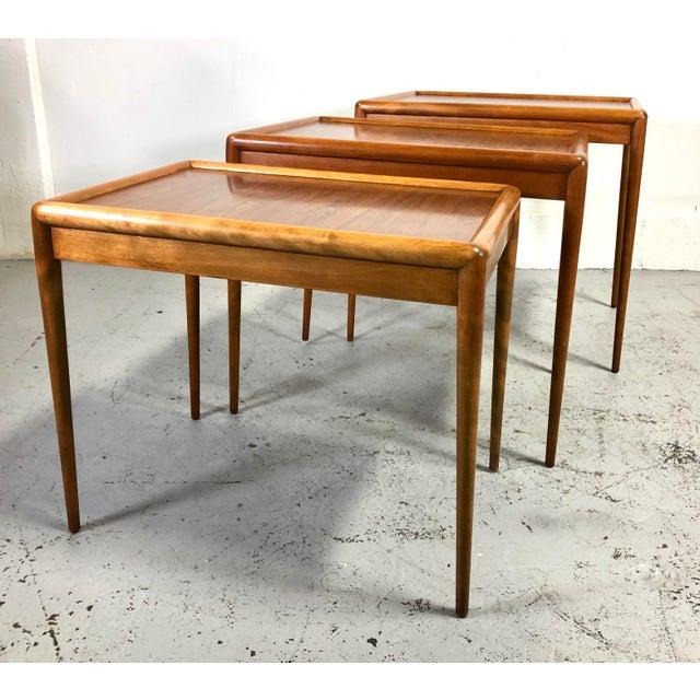 Brown t.h. Robsjohn-Gibbings Nesting Tables for Widdicomb - Set of 3 For Sale - Image 8 of 13