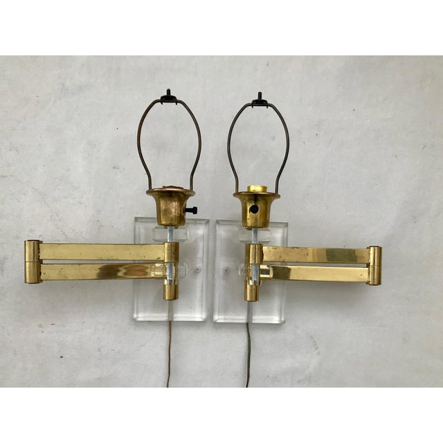 Walter Von Nessen Karl Springer Style Lucite Acrylic Brass Wall Sconces - a Pair For Sale - Image 9 of 10