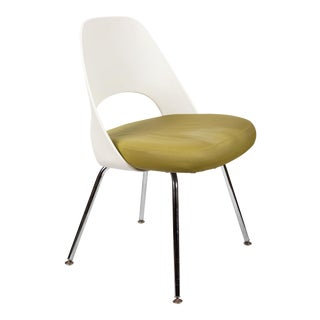 Saarinen Executive Side Chair with Metal Legs for Knoll For Sale