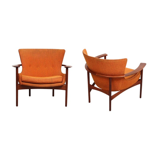 "Pair of ""Horseshoe"" Lounge Chairs by Kofod-Larsen For Sale"