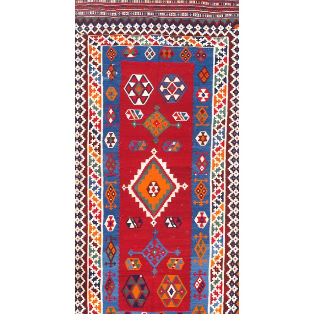 "Pasargad Ny Antique Persian Shiraz Kilim Rug - 4'6"" X 9'6"" For Sale - Image 4 of 5"