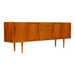Danish Modern / Mid Century Teak Credenza / Sideboard — Sliding Doors — Troeds Bjärnum — Gigant For Sale