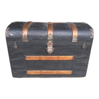 Antique Steamer Trunk With Tray & Chromolithograph For Sale