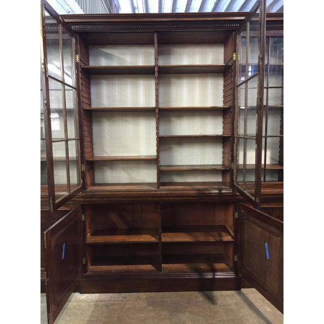 19th C. Vintage English Mahogany Breakfront For Sale In Tampa - Image 6 of 8