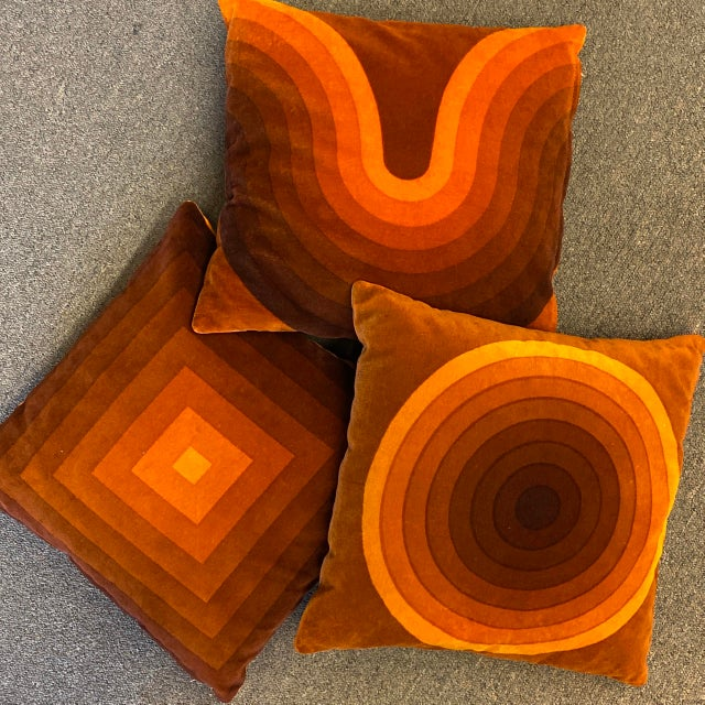 Mid-Century Modern Mid-Century Modern Verner Panton Velour Pillows - Set of 3 For Sale - Image 3 of 13