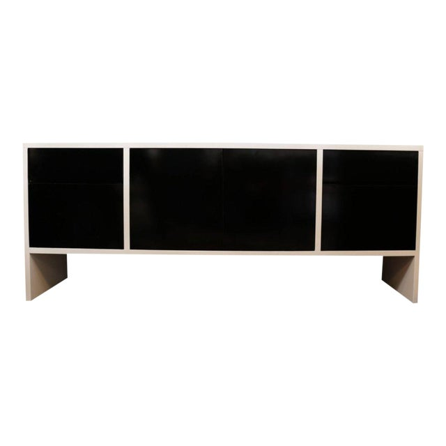 Milo Baughman White Lacquered Credenza with Contrast Doors - Image 7 of 8