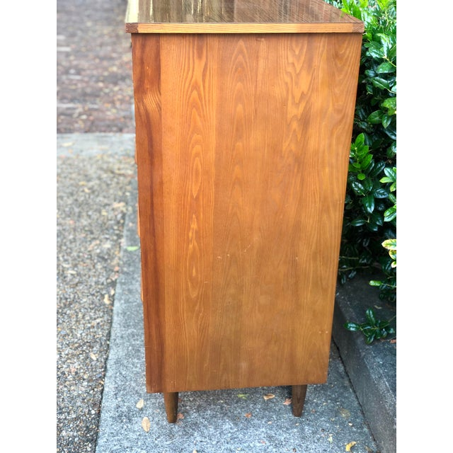 1960s Heywood Wakefield 5 Drawer Highboy For Sale - Image 6 of 11