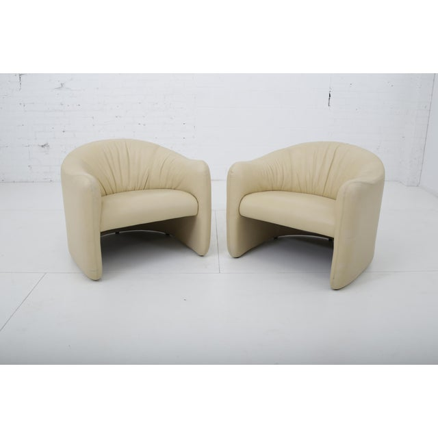 Mid-Century Modern Leather Barrel Back Chairs, Metropolitan 1970's For Sale - Image 3 of 13