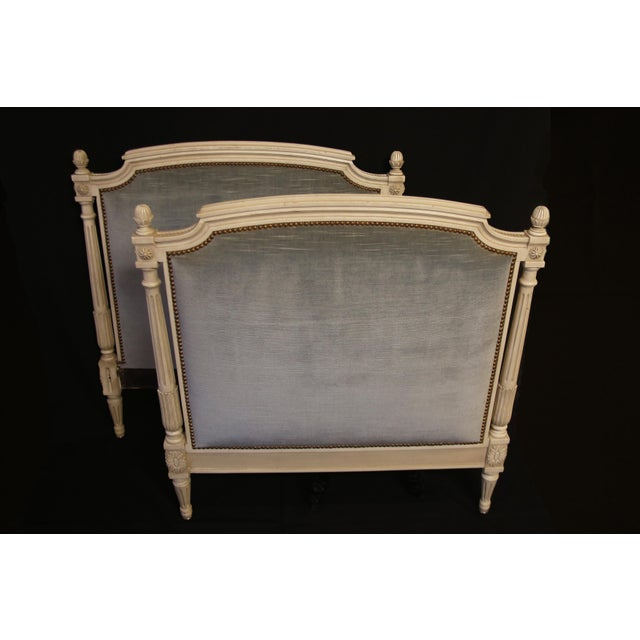 This chic-elegant Daybed can be used in many ways. A unique piece that will make your room feel special. Made in late 19th...