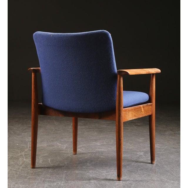 Mid-Century Modern Finn Juhl Rosewood Armchair 209 Diplomat For Sale - Image 3 of 5