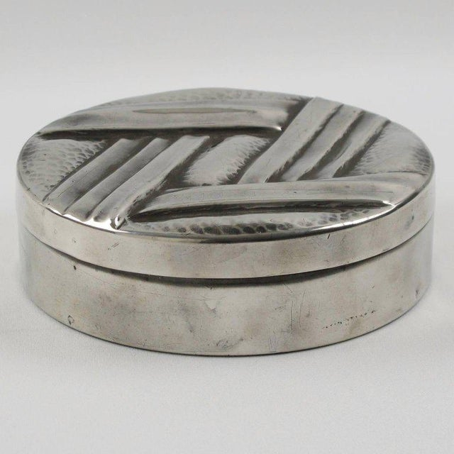 Art Deco French Designer L. Guilbaud Art Deco 1930s Dinanderie Pewter Box For Sale - Image 3 of 6