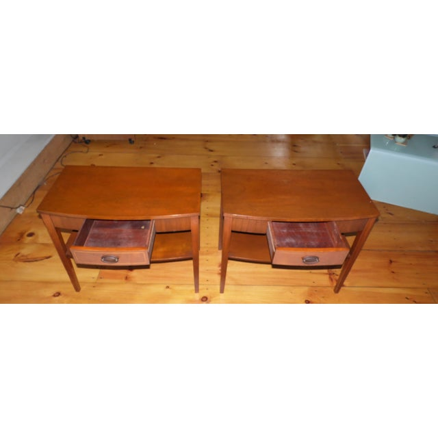 Vintage Pair Traditional Federal Mahogany End Tables Nightstands Mersman Tables For Sale - Image 9 of 13
