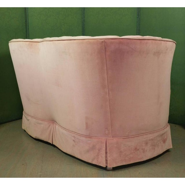 Small Pink Velvet Settee - Image 5 of 11