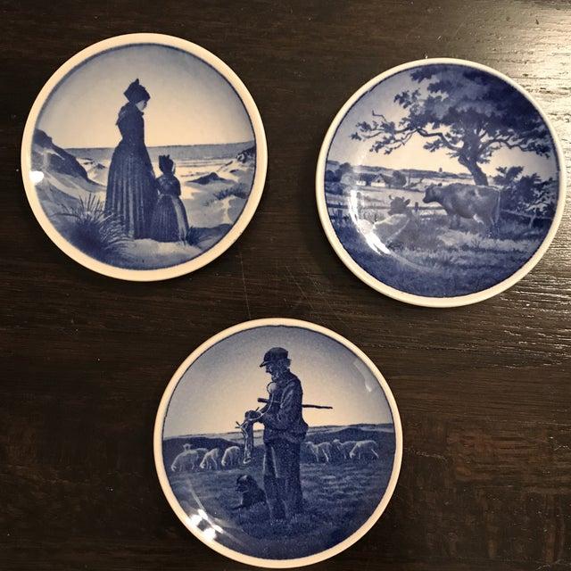 Royal Copenhagan Royal Copenhagen Blue & White Trinket Dishes - Set of 3 For Sale - Image 4 of 4