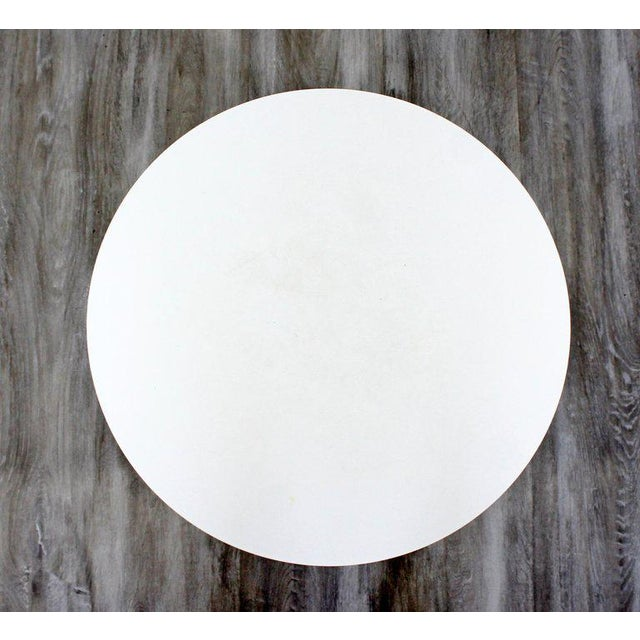 Mid-Century Modern Mid-Century Modern Early Saarinen Knoll Round White Tulip Side End Table, 1960s For Sale - Image 3 of 5