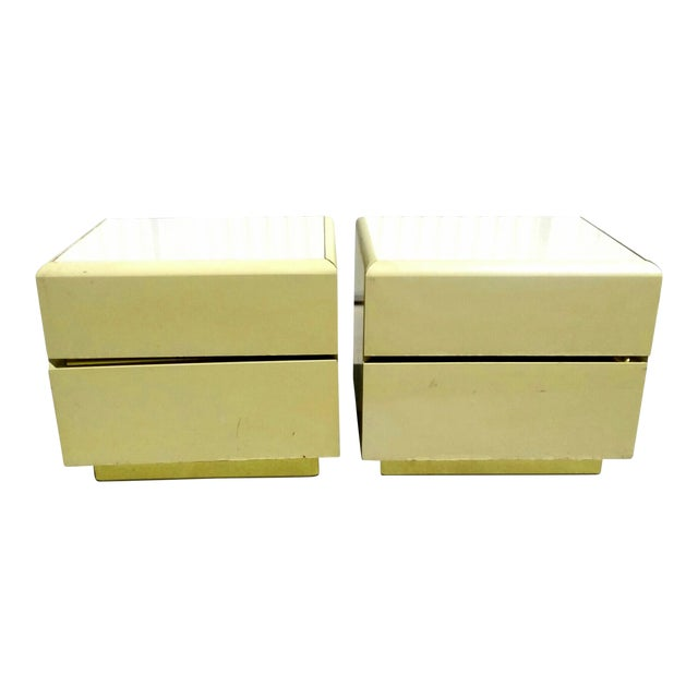 1970s Mid Century Modern Lane Lacquer Nightstands -a Pair For Sale