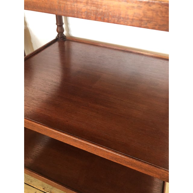 1940s Grand Rapids Vintage 3-Tier Mahogany Side End Tables -A Pair For Sale - Image 5 of 9