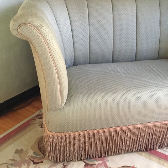 French Style Settee With Fringe - Image 4 of 9