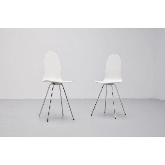 Pair of Arne Jacobsen Tongue chairs Fritz Hansen 1970s - Image 3 of 7