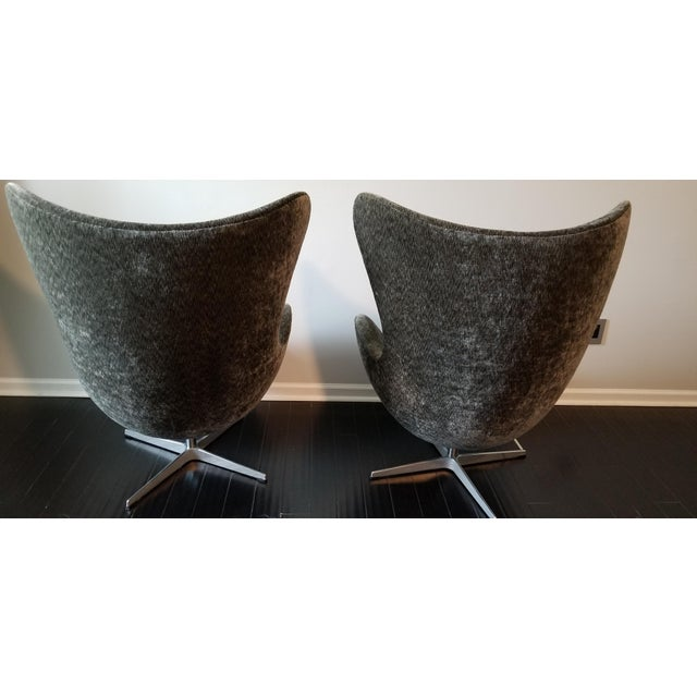 Mid-Century Modern Arne Jacobsen for Fritz Hansen Egg Chairs - a Pair For Sale - Image 3 of 12