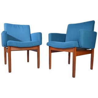 Jens Risom Style Teak Armchairs by John Stuart Furniture, Circa 1950 For Sale