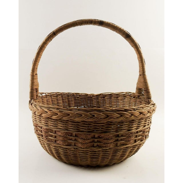 Reed 1930s Boho Chic Woven Reed Basket For Sale - Image 7 of 7