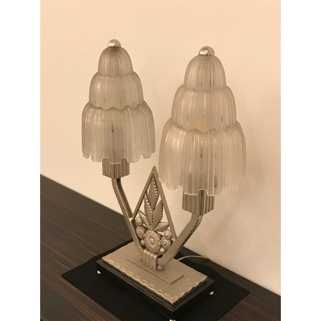 """Art Deco French Art Deco """"Waterfall"""" Table Lamp Signed by Sabino For Sale - Image 3 of 13"""