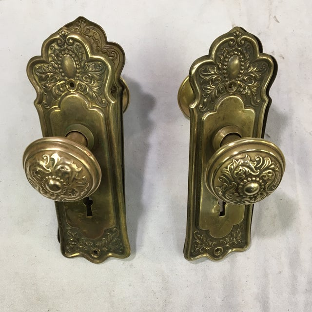 Victorian Antique Style Victorian Filigree Brass Back Plates and Doorknobs For Sale - Image 3 of 10