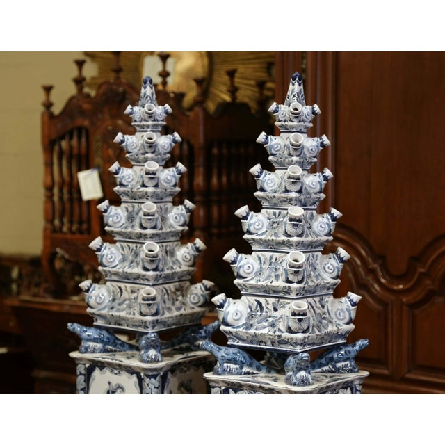"Figurative Pair of Painted Blue and White Porcelain Maottahedeh Tulip Pagodas ""Tulipieres"" For Sale - Image 3 of 13"