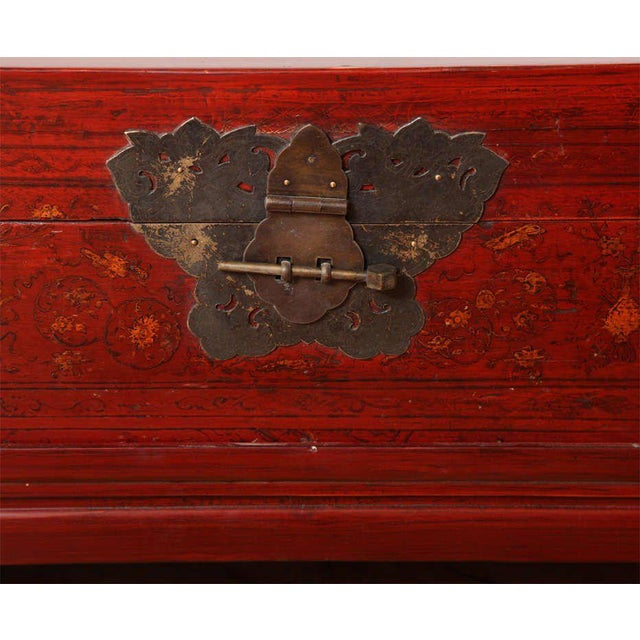 Mid 19th Century Late 19th Century Chinese Red Lacquered Trunk on Stand with Original Finish For Sale - Image 5 of 6