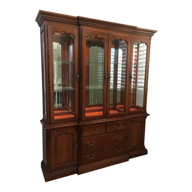 Thomasville Dining Room Hutch For Sale