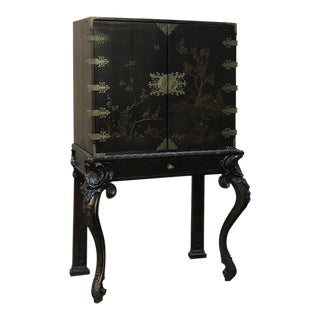 19th Century French Chinoiserie Raised Cabinet For Sale
