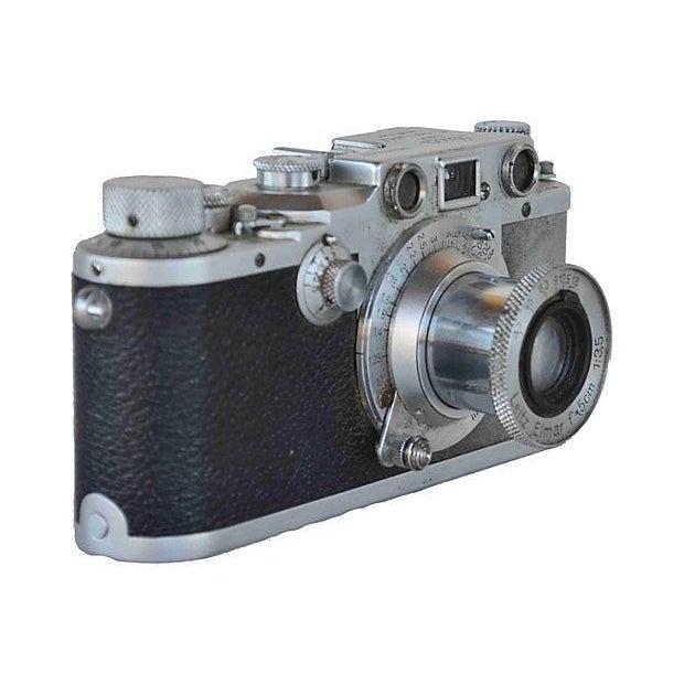 Vintage Leica Camera - D.R.P. Ernst Leitz Wetzlar For Sale - Image 4 of 5