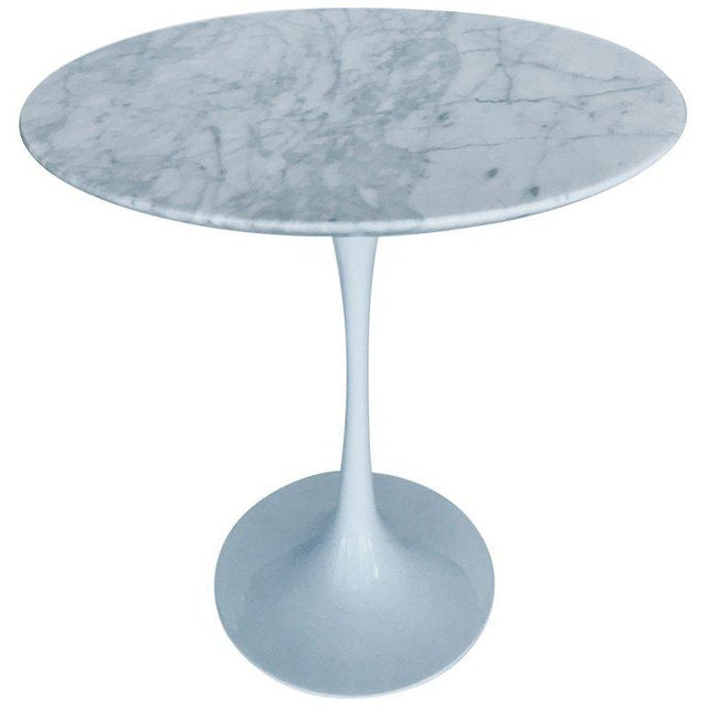 Iconic Mid-Century Modern Tulip Side Table in Carrara Marble For Sale - Image 13 of 13